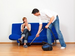 man-cleaning-house-130813