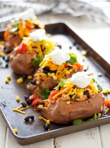 spicy-shredded-chicken-stuffed-sweet-potatoes-1[1]