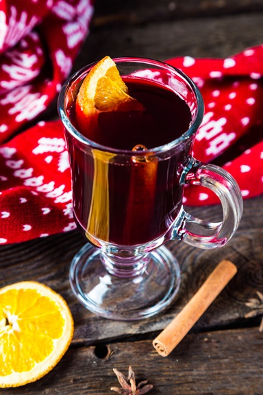 Healthy Holiday Punch: Mulled Wine
